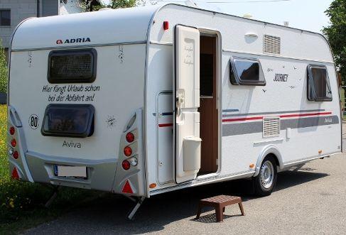 Wohnwagen Etagenbett Absturzsicherung : Leichtes großes campingmobil ein familien wohnwagen mit
