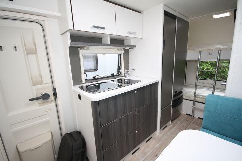 Wohnwagen Mit 3er Etagenbett Mieten : Wohnwagen komfortklasse über kg c´go qsk mit er