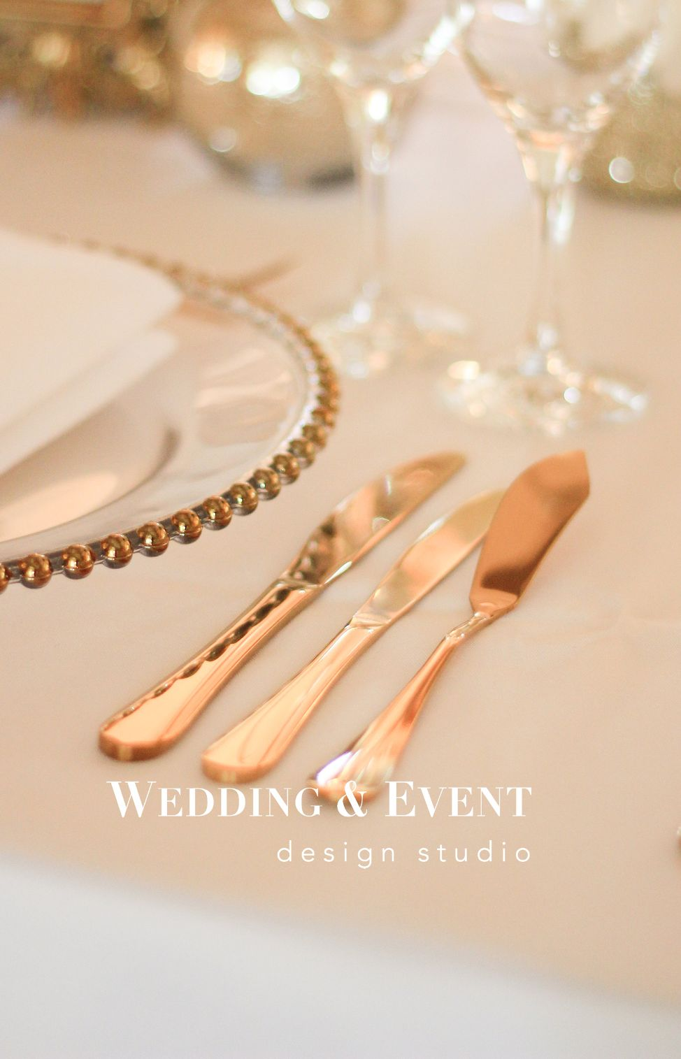 Goldenes Besteck Gold Hochzeit Event Feierliche Tafel Tischdekoration Chiavari Crossback Besteck 5910432218 Mieten Erento Com