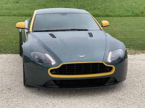 Aston Martin Vantage Sondermodell N430 Mieten Sie Jetzt Den Limitierten Vantage Aston Martin 2928988158 Mieten Erento Com