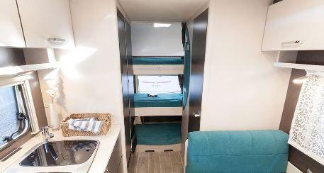Wohnwagen Etagenbett Sicherung : Dethleffs c go 495 qsk wohnwagen mit doppelbett und etagenbetten