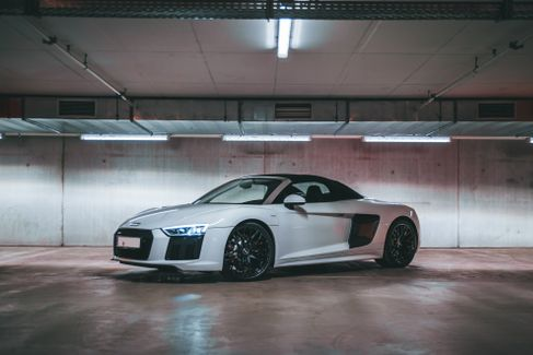 Audi R8 V10 Spyder, Audi - 4606457974 mieten | Erento.com