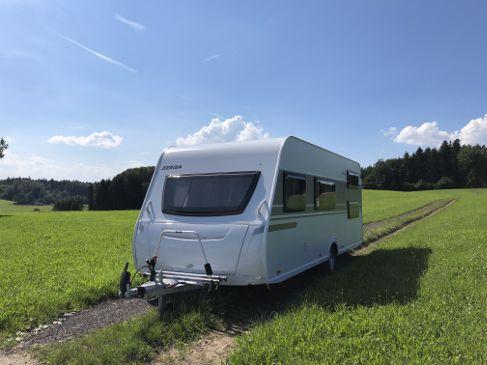 Bürstner Wohnwagen Mit Etagenbett Und Festbett : Wohnwagen mieten in 83059 kolbermoor erento.com